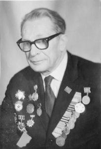 Гвардии майор Б. П. Малишевский из Ельца.