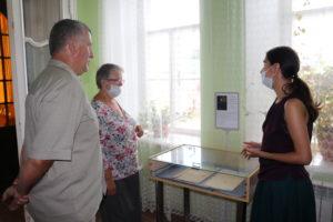 Гости из Твери заинтересовались рукописью М.А. Стаховича