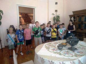 Юные спортсмены в музее.